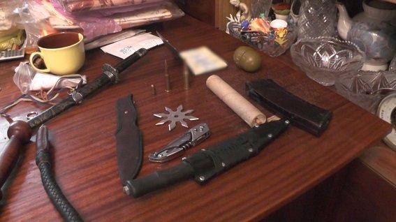 В Киевской квартире обнаружили арсенал оружия (ФОТО) (фото) - фото 2
