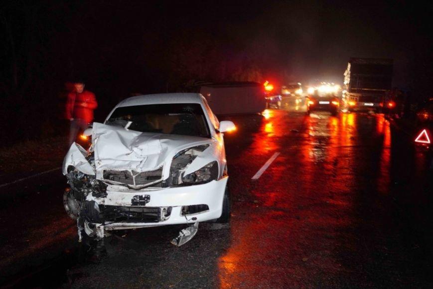 ГАИ опубликовали фото аварии под Запорожьем, в которой пострадали 5 человек (фото) - фото 2