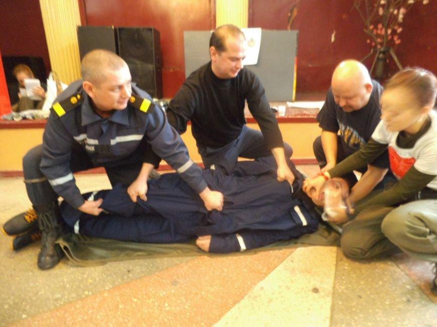 Патриоты учили краматорских спасателей оказывать доврачебную помощь (фото) - фото 2