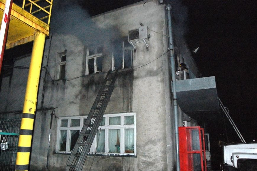 908c596fcd5d00d1904ae01501d82985 Фото: Как в Одессе тушили хлебозавод
