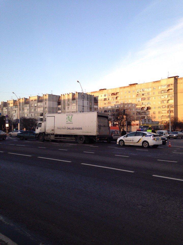 Які вулиці краще оминати: мапа заторів та ДТП (ФОТО) (фото) - фото 2