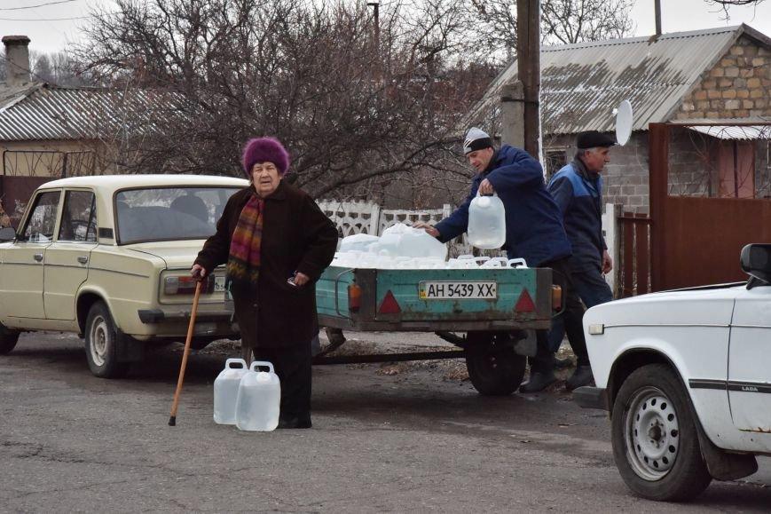 Три недели без света и воды. Боевики не дают жителям Гранитного восстановить электроэнергию (ФОТО), фото-3