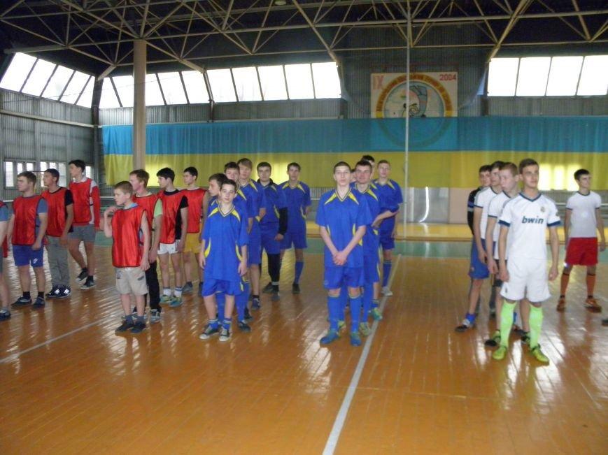 Команды ПТЛ Димитрова и Красноармейска блестяще сыграли в турнире по мини-футболу (фото) - фото 3