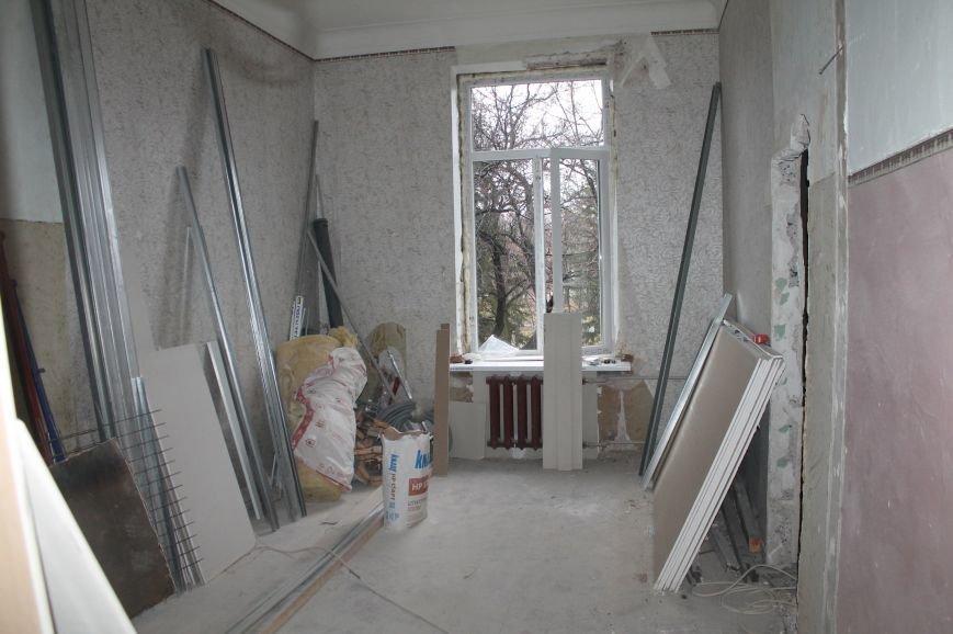 В Часов Яре продолжаются ремонтные работы амбулатории (ФОТО), фото-4
