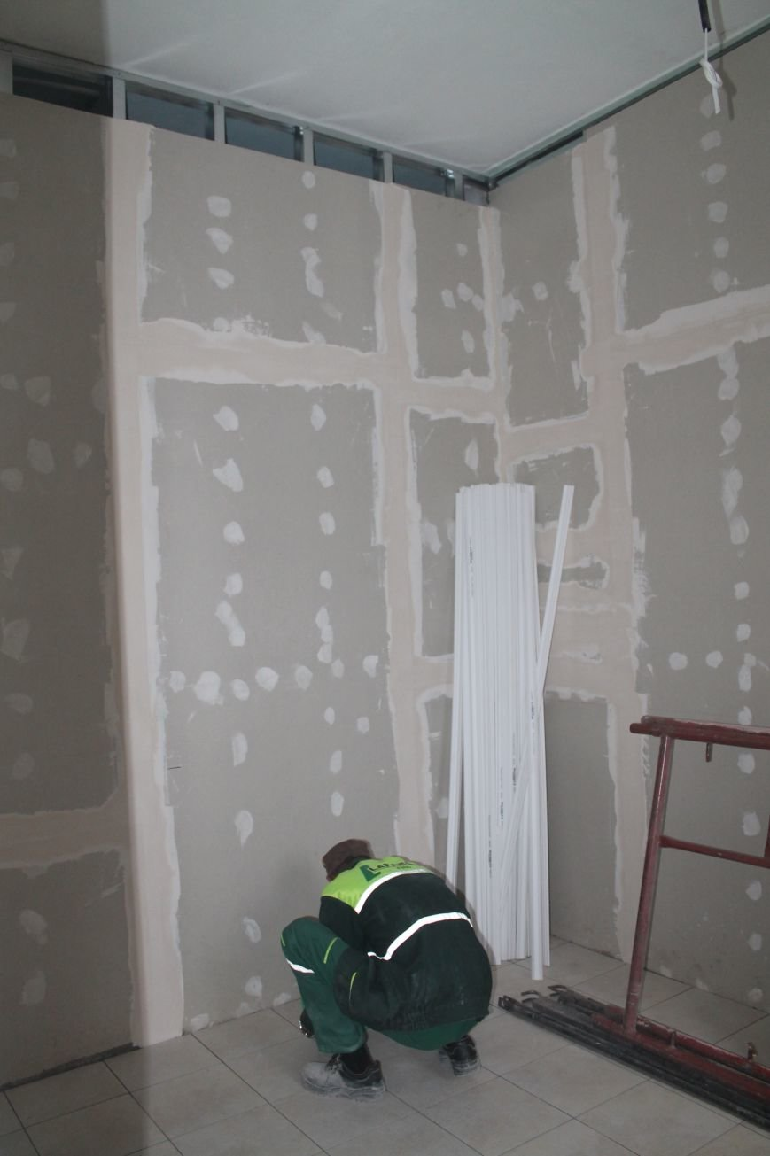 В Часов Яре продолжаются ремонтные работы амбулатории (ФОТО), фото-3