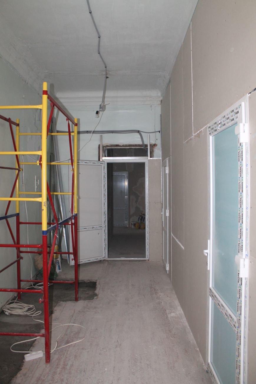 В Часов Яре продолжаются ремонтные работы амбулатории (ФОТО), фото-1