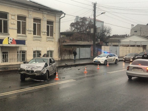 В Харькове произошло тройное ДТП (фото) - фото 1