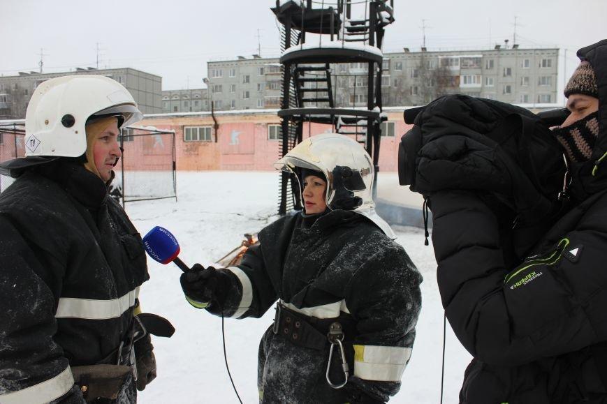 Сыктывкарские журналисты на себе испытали особенности пожарной службы, фото-21