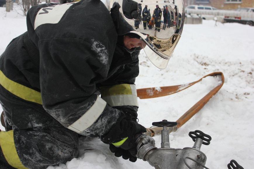 Сыктывкарские журналисты на себе испытали особенности пожарной службы, фото-18