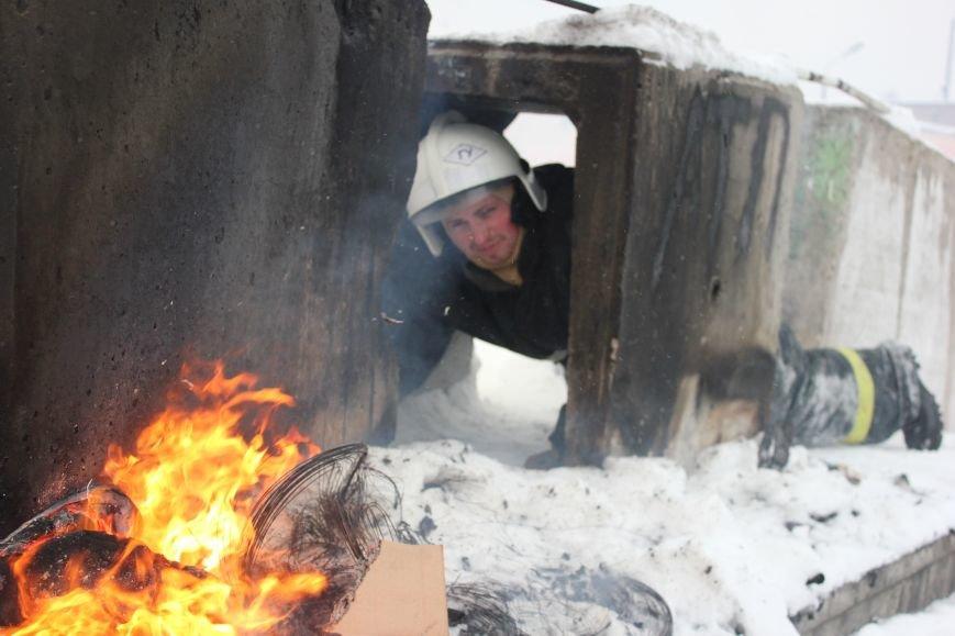 Сыктывкарские журналисты на себе испытали особенности пожарной службы, фото-14