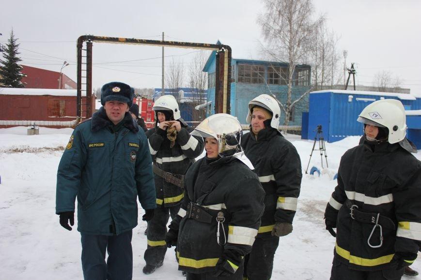 Сыктывкарские журналисты на себе испытали особенности пожарной службы, фото-8
