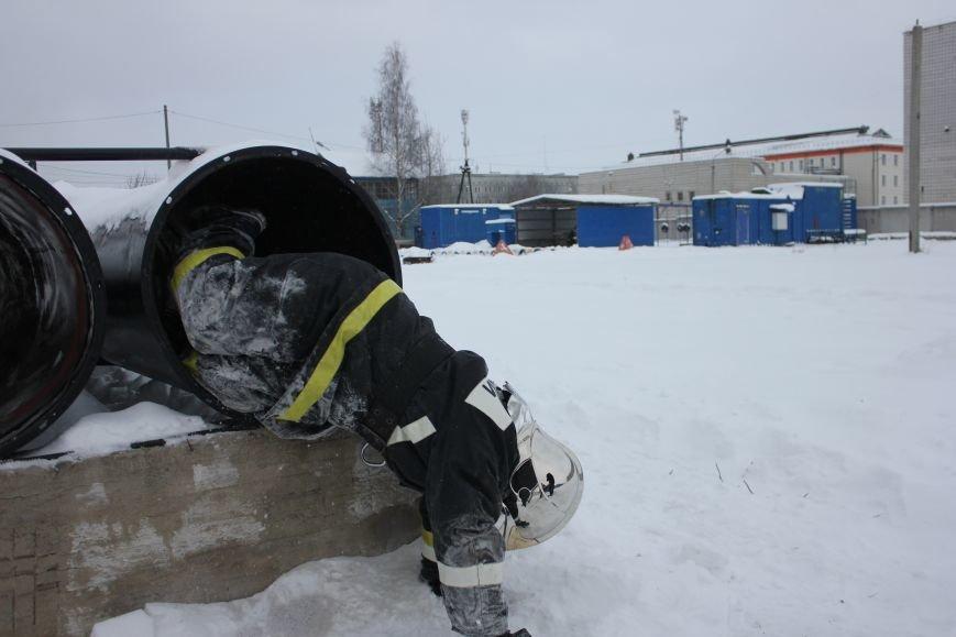 Сыктывкарские журналисты на себе испытали особенности пожарной службы, фото-13