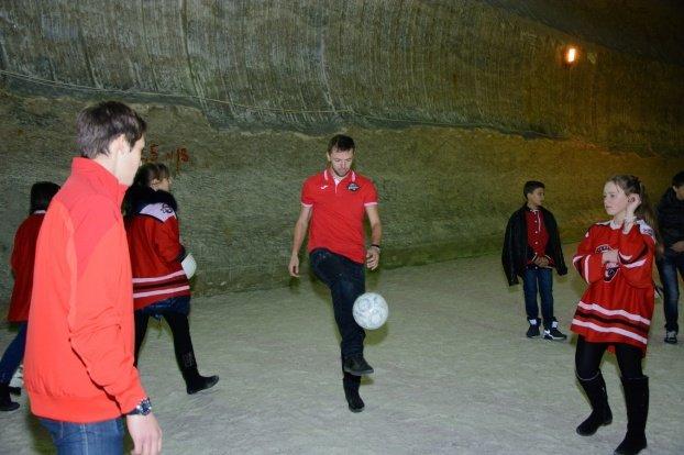 В Соледарской шахте побывали хоккеисты «Донбасса», фото-2