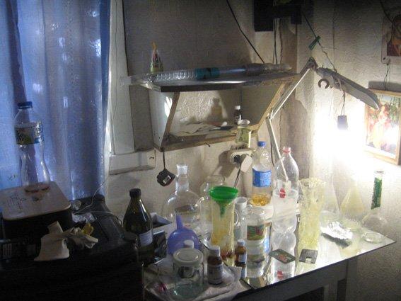 На Сумщине прикрыли еще одну домашнюю лабораторию по изготовлению амфетамина (ФОТО) (фото) - фото 1