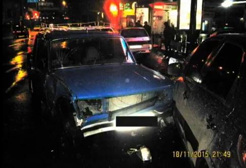 В центре Сум столкнулись 4 авто: водитель ВАЗа был нетрезв (ФОТО) (фото) - фото 1