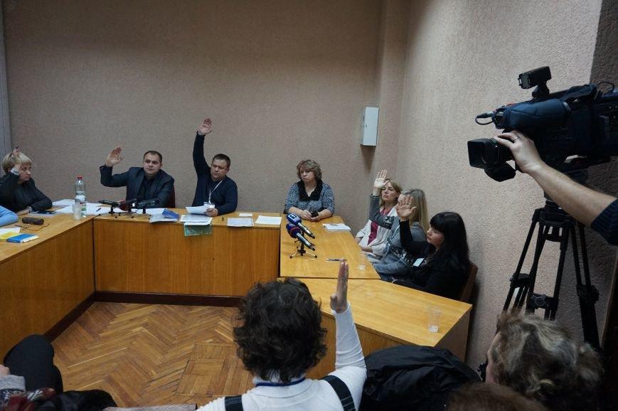 Горизбирком не увидел ничего подозрительного в высокой явке на двух участках в Дзержинском районе и отклонил жалобу Туровской (ФОТО) (фото) - фото 2