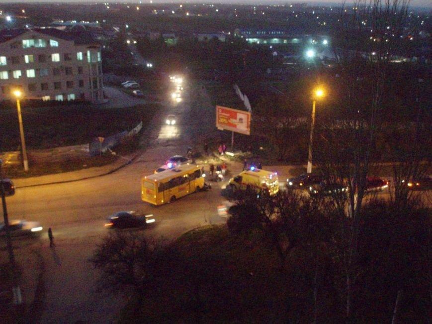 ДТП в Севастополе: погиб мопедист, байкер в реанимации, разбиты машины (ФОТО, ВИДЕО) (фото) - фото 3