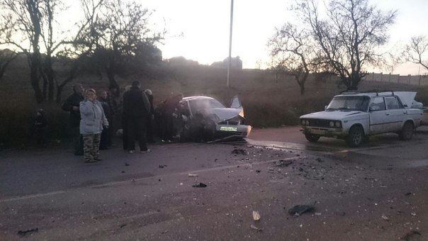 ДТП в Севастополе: погиб мопедист, байкер в реанимации, разбиты машины (ФОТО, ВИДЕО) (фото) - фото 6
