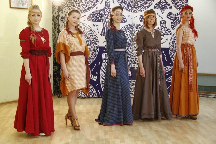 Мастерицы Коми представят модные платья в народном стиле (фото) - фото 1