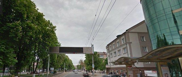 Виконком продовжив термін дії реклами «Феріде» та дозволив доньці Дворкіса реконструювати салон краси у центрі Вінниці (фото) - фото 1
