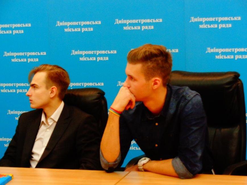В Днепропетровске в «Битве за вуз» команды сражались в «крестики-нолики» (ФОТО) (фото) - фото 8
