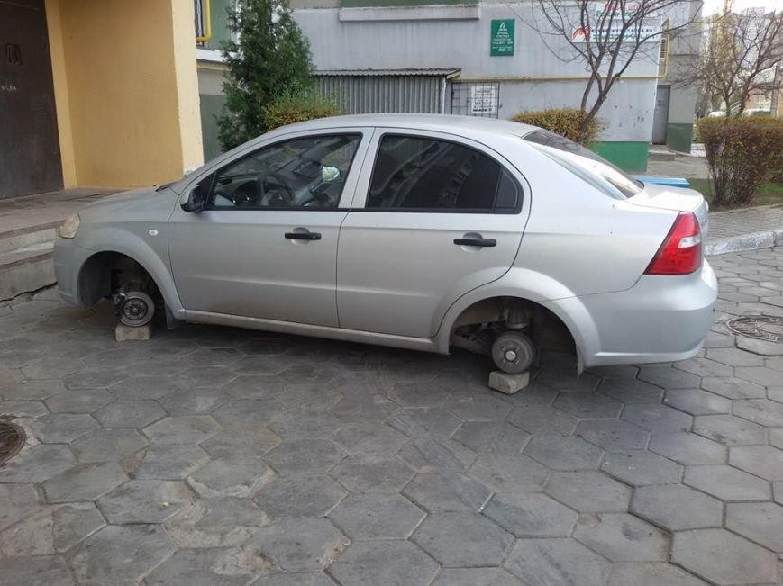 Эпидемия: Под Одессой снова разули машину (ФОТО) (фото) - фото 1