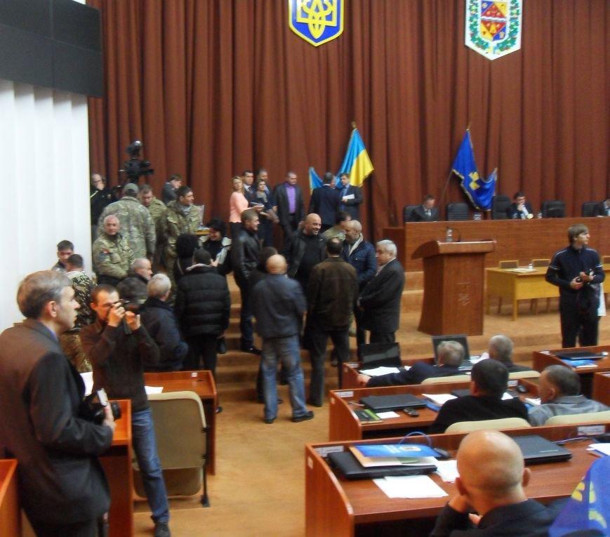 Перша сесія обласної ради нового скликання: сутички, «договорняки» і обрання голови (фото) - фото 4