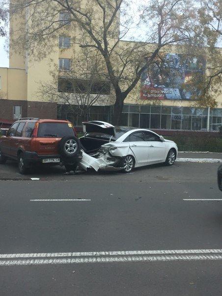 71b41c610b8cd132152604aa903a114f В Одессе на Молдаванке произошла серьезная авария