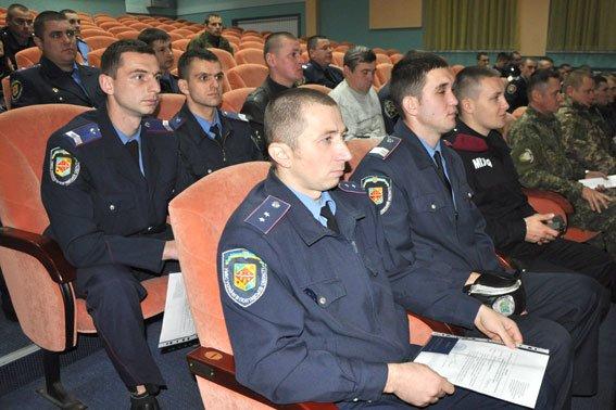 В Полтаві 130 правоохоронців отримали посвідчення учасника АТО (фото) - фото 1