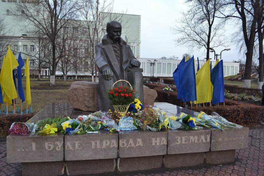 В Днепродзержинске прошел митинг по случаю Дня Достоинства и Свободы, фото-17