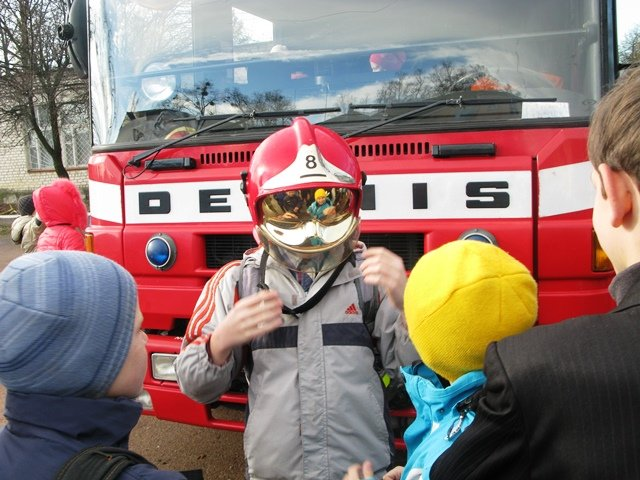 У Коростені рятувальники провели для всіх учнів міста урок безпеки, фото-1