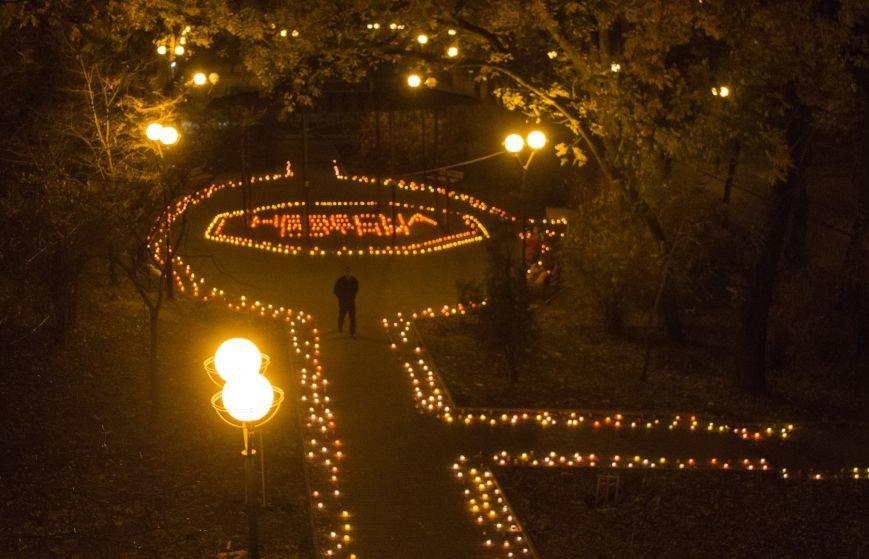 7ad2d3293d9ca81fce9a523af0287f0c В Одессе Аллея Небесной Сотни зажглась тысячами огней
