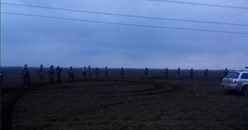 Активистов блокады Крыма, мешающих ремонтировать поврежденные опоры ЛЭП, разогнала вооруженная Нацгвардия Украины (ФОТО), фото-3