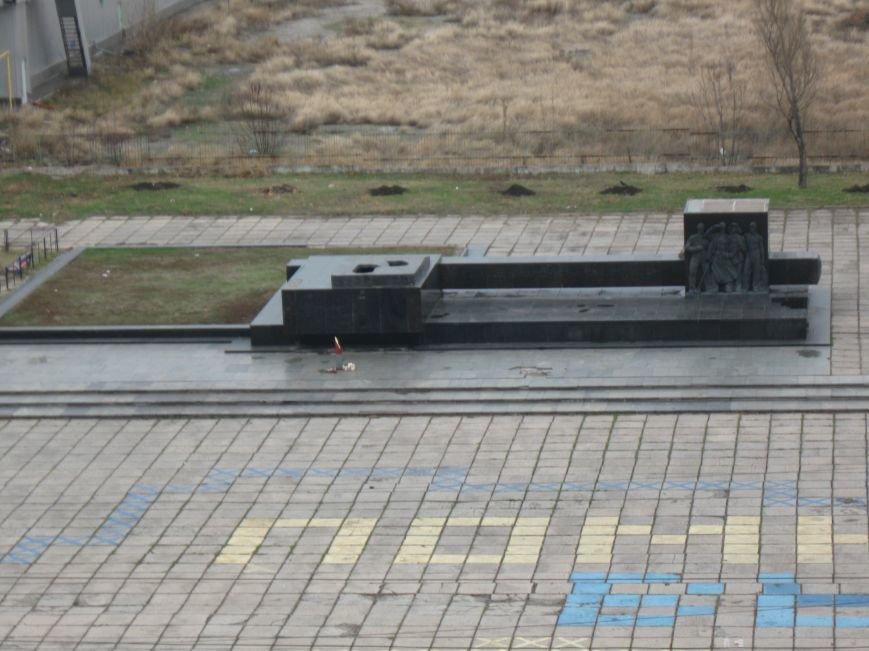 Площадь Свободы вновь оставили без креста (ФОТОФАКТ), фото-1