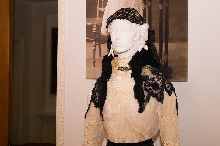 В Гродненском музее религии открылись две выставки платьев XIX века (фото) - фото 24