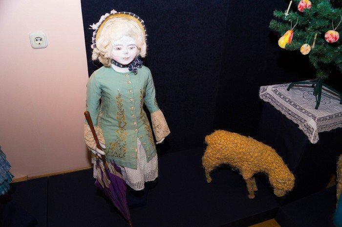 В Гродненском музее религии открылись две выставки платьев XIX века (фото) - фото 21