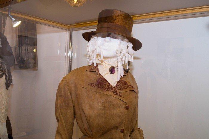 В Гродненском музее религии открылись две выставки платьев XIX века (фото) - фото 11