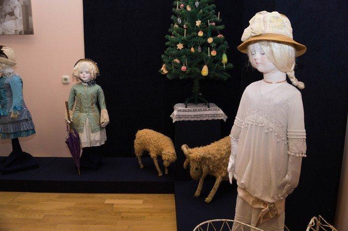 В Гродненском музее религии открылись две выставки платьев XIX века (фото) - фото 20