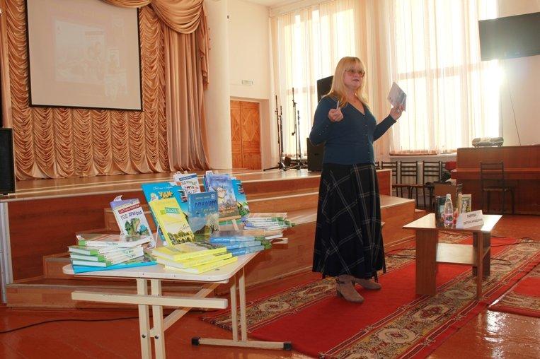 Полевские школьники встретились с известными уральскими писателями (фото) (фото) - фото 1