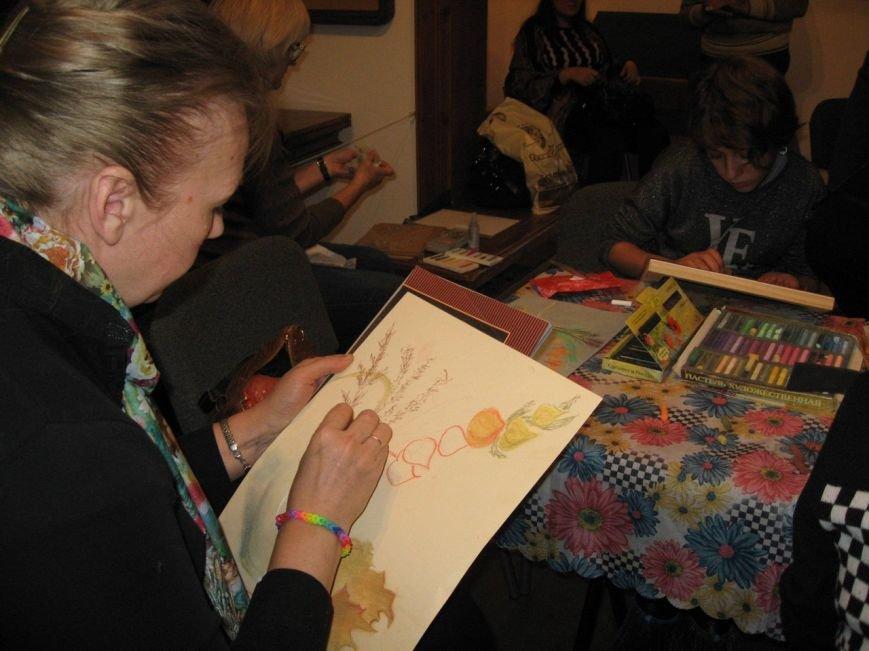 В Доме-музее П.П.Чистякова прошел второй мастер-класс по рисованию сухой пастелью (фото) - фото 1