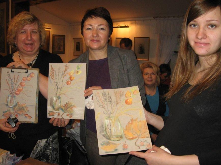 В Доме-музее П.П.Чистякова прошел второй мастер-класс по рисованию сухой пастелью (фото) - фото 3