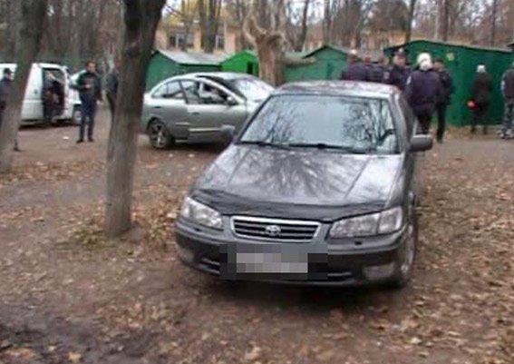 В Одессе офицер полиции и экс-милиционер задержаны на взятке (фото) - фото 1