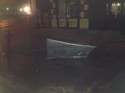 """Сьогодні вночі водій """"BMW"""" зніс паркан і зупинився в тернопільській крамниці (фото) (фото) - фото 1"""
