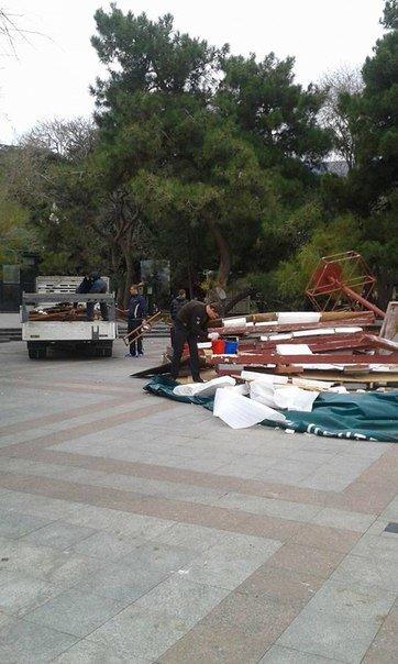 В Ялте демонтирован Туристическо-информационный центр (фото) - фото 1