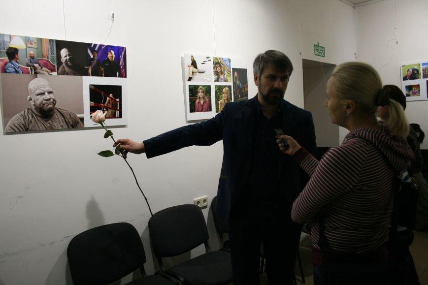В новой Москве прошла выставка самого экстравагантного фотографа ТиНАО- Михаила Федина, фото-1