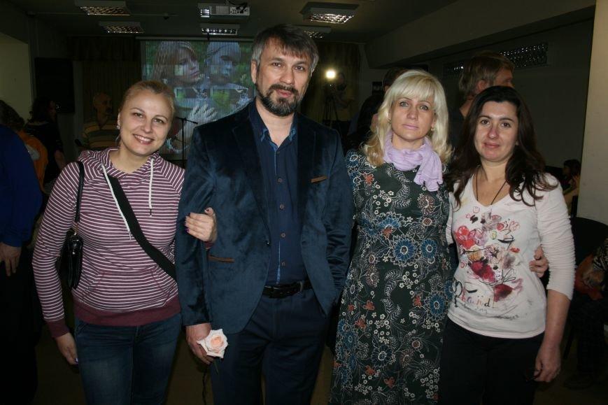 В новой Москве прошла выставка самого экстравагантного фотографа ТиНАО- Михаила Федина, фото-9