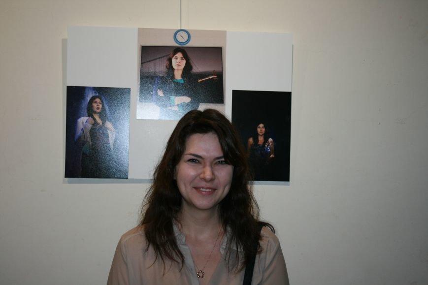 В новой Москве прошла выставка самого экстравагантного фотографа ТиНАО- Михаила Федина, фото-7