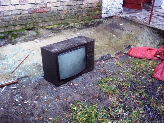 В Новограде-Волынском из-за телевизора чуть не погибло трое детей, фото-1