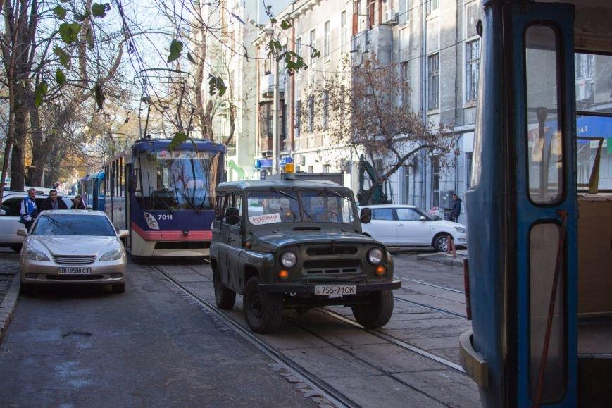 5b2b83d1f942071eeb0b247906b7dea1 В Одессе трамвай создал пробку, парализовав движение коллег на несколько сотен метров