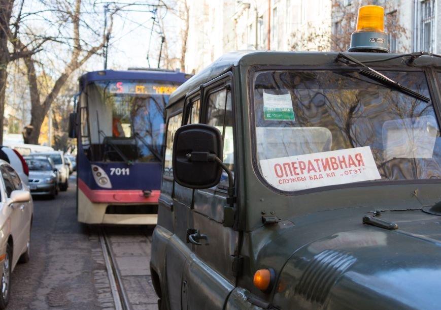 93910359a54211a1439fe30d4b5f69f8 В Одессе трамвай создал пробку, парализовав движение коллег на несколько сотен метров